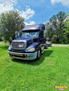 2006 Freightliner Hi-Rise Sleeper Cab Semi Truck Mercedes Engine for Sale in Texas!