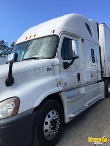 2013 Freightliner Cascadia Sleeper Cab Semi Truck DD15 13-Speed for Sale in Virginia!