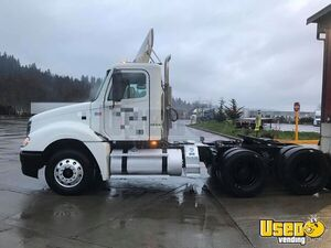 2007 Freightliner Columbia Day Cab Semi Truck / Used Over the Road Truck for Sale in Washington!