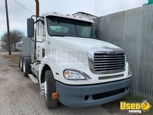 2009 Freightliner Day Cab / Ready for Action Used Semi Truck for Sale in Washington!