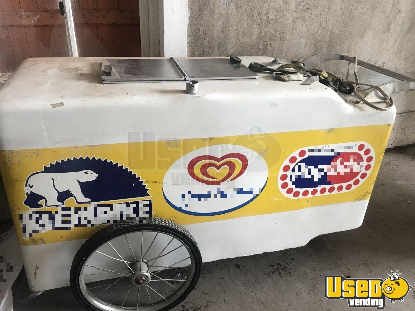 2 8 X 5 25 Ice Cream Vending Cart Used Vending Cart