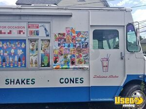 Diesel Chevy Mobile Ice Cream Business / Soft Serve Truck in Great Condition for Sale in New Jersey!