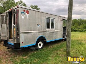 Chevrolet P30 22' Stepvan Ice Cream / Empty Food Truck  for Sale in North Carolina!