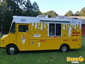 1995 20' Diesel Chevrolet Soft Serve Ice Cream Truck for Sale in North Carolina!