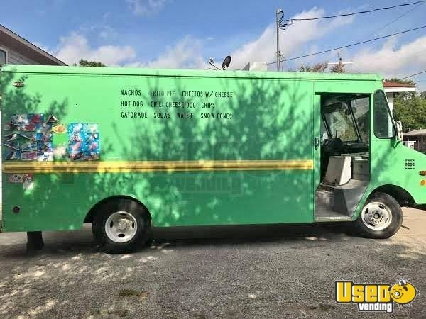 Chevrolet P30 Step Van Ice Cream Truck / Mobile Ice Cream Business for Sale in Texas!