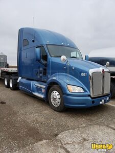 Very Clean and Well-Tended 2012 Kenworth T700 Sleeper Cab / Used Semi Truck for Sale in California!