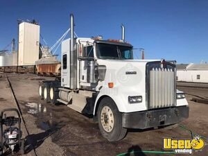 Powerful 2014 Kenworth W900 Sleeper Cab Semi Truck Cummins ISX 525 for Sale in Colorado!