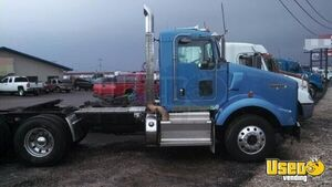 2011 Kenworth T800 Day Cab / DEF Deleted Semi Truck for Sale in Illinois!!