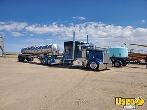 Fully Deleted 2016 Kenworth W900L Sleeper Cab Semi Truck for Sale in Kansas!!