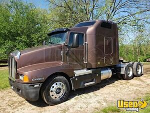 2005 Kenworth T600 Sleeper Cab Semi Truck 625hp CAT C15 13-Speed for Sale in Missouri!