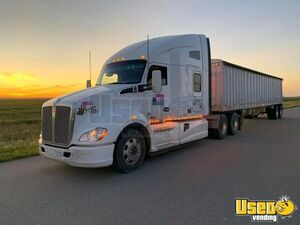 2016 Kenworth T680 Sleeper Cab Semi Truck Paccar MX-13 13-Speed Ultrashift for Sale in North Dakota!