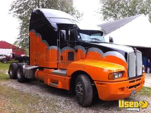 2006 Kenworth T600 Hi-Rise Sleeper Cab with Caterpillar C15 MT/Used Semi Truck for Sale in Ohio!