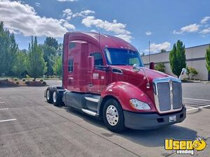 2014 Kenworth T680 Sleeper Cab Semi Truck 450hp Paccar 10-Speed AT for Sale in Oregon!