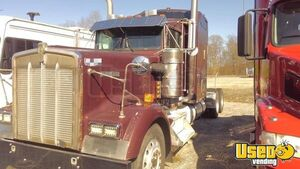 1998 Kenworth W900 Sleeper Cab Semi Truck 12.7L Detroit Engine for Sale in Tennessee!