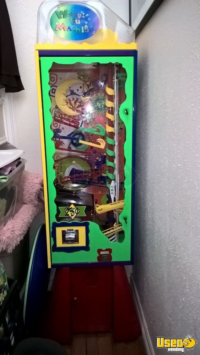 Large / Kinetic Gumball Machine 2 Texas for Sale - 2