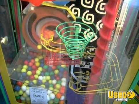 Large / Kinetic Gumball Machine 6 Quebec for Sale - 6
