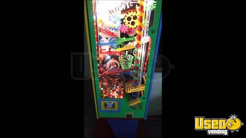 Large / Kinetic Gumball Machine 7 Quebec for Sale - 7
