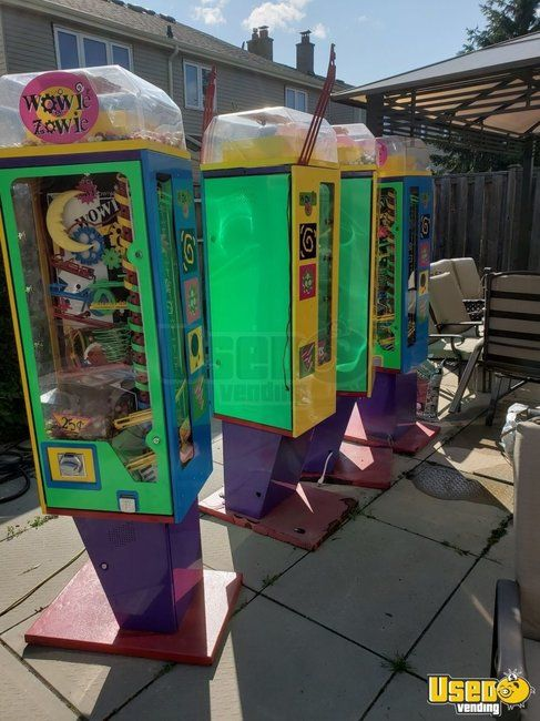 2005 Wowie Zowie Gumball Interactive Used Vending Machines for Sale in Canada!