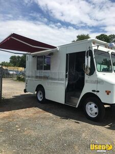 2003 Workhorse P42 Mobile Kitchen Food Truck for Sale in Virginia!!!