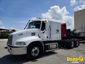 2005 Mack Vision Flat Top Sleeper Cab / Ready to Work Semi Truck for Sale in Florida!