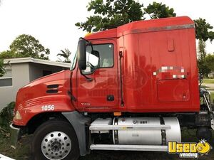 Great Looking 2007 Mack Vision Sleeper Cab Semi Truck/Used Tractor for Sale in Florida!