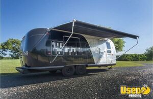 Classy Vintage 1970 Airstream Trade Wind Land Yacht Mobile Boutique Trailer for Sale in Texas!