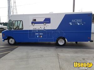Turnkey 26' Diesel Freightliner Mobile Skateboard and Apparel Retail Store for Sale in California!