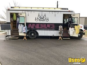 International Bus 3800 DT466 Mobile Boutique Marketing Truck for Sale in Kansas!!!