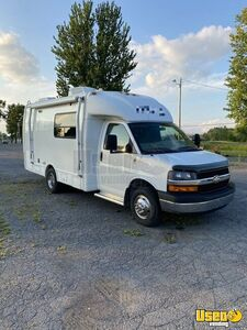 Low Mileage 2008 21' Holiday Rambler Augusta Sport Mobile Boutique/Fashion Truck for Sale in New York!