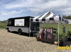 26' Chevy Mobile Boutique Marketing Truck for Sale in Oklahoma!!!