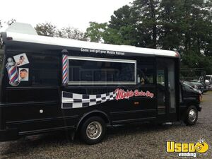 Turnkey 2007 Ford E450 Mobile Hair Salon and Barbershop Truck for Sale in Virginia!