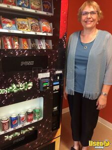 2014 Seaga Naturals to Go Healthy Combo Vending Machines w/  Retro Kit for Sale in Nebraska!