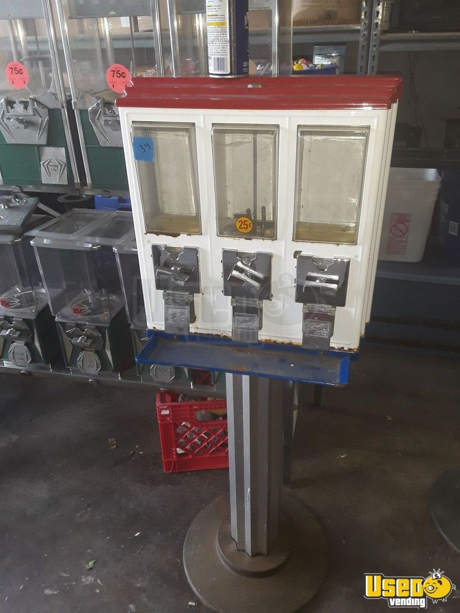Northwestern Triple Head Candy Machine 37 Kentucky for Sale - 37