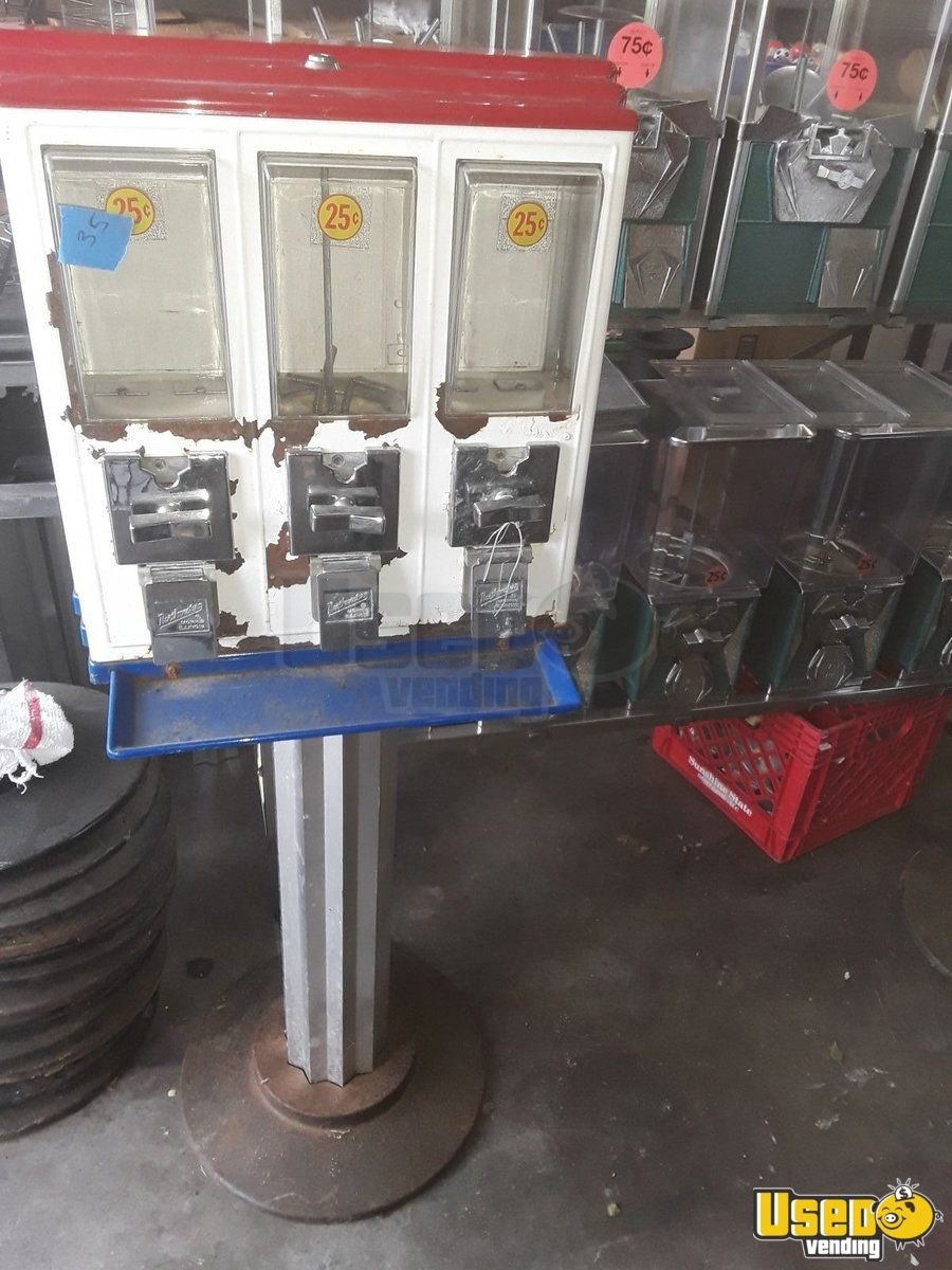Northwestern Triple Head Candy Machine 38 Kentucky for Sale - 38
