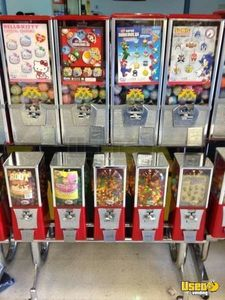 HUGE Lot of Bulk Candy / Capsule / Sticker Vending & Arcade Machines!!!