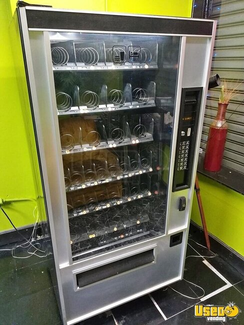 Other Snack Vending Machine Connecticut for Sale