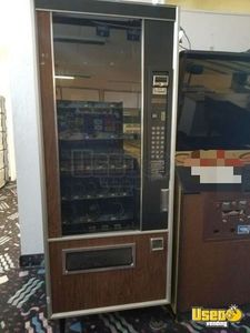 Used Glassfront Snack Vending Machine for Sale in Idaho!