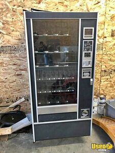 Used Rowe 4900 Glassfront Electrical Snack Vending Machine for Sale in New York!!!