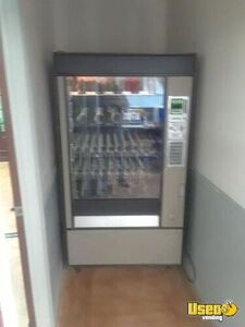 Used Glassfront Snack Vending Machine for Sale in Utah!!!