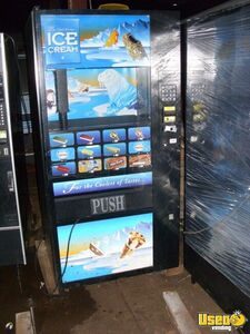Fastcorp 631 Ice Cream Frozen Food Vending Machine for Sale in Wisconsin!!!