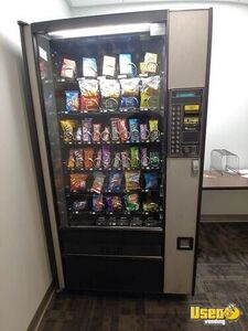 Electronic Glassfront Live Display Snack Vending Machine for Sale in Utah, Works Great!