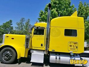 2005 Peterbilt Long Nose Sleeper Cab Semi Truck Cummins ISX for Sale in California!