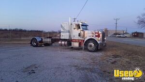 1992 Peterbilt 379 Sleeper Cab Semi Truck CAT 3406B Dual Exhaust for Sale in Missouri!