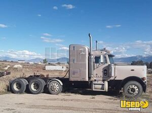 2004 Peterbilt 379 Dual Exhaust Flat Top Sleeper Cab Semi Truck for Sale in Nevada!