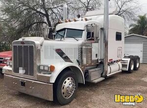 2007 Peterbilt 379 Sleeper Cab Semi Truck with a 2006 48 x 102 Manac All Aluminum Flatbed Trailer for Sale in Texas!!
