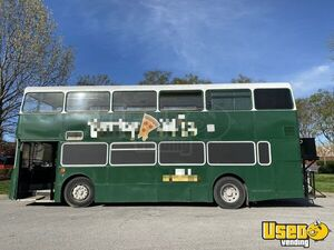 Turnkey Business 33' Leyland Olympian Double-Decker Bustaurant Pizza Truck for Sale in Tennessee!