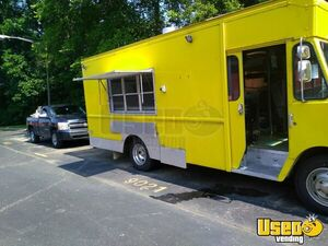 Chevy P30 Pizza Truck Used Mobile Pizzeria for Sale in Tennessee!!!