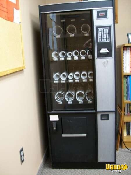 Savamco Fm1462 Other Snack Vending Machine Illinois for Sale