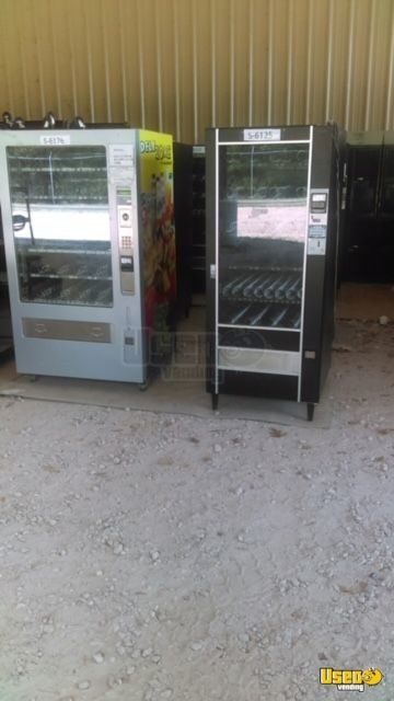 Seaga Infinity Glassfront Electronic Snack Vending Machines for Sale in Texas!