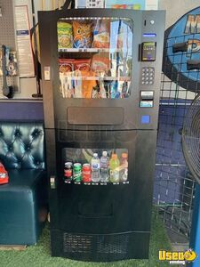 2015 Seaga SM23 Electronic Snack & Soda Vending Machine with CC Reader for Sale in California!
